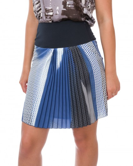 The skirt is female 770025-078