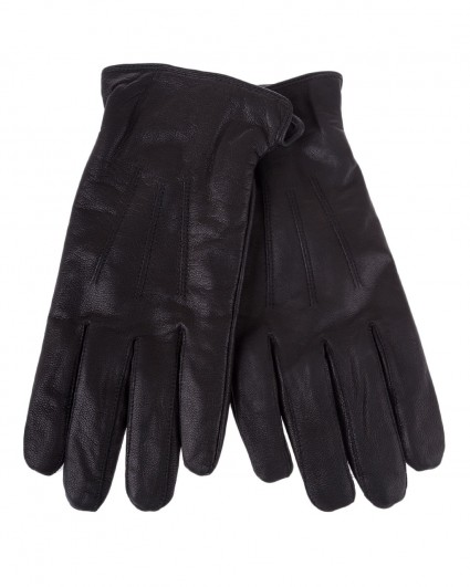 Gloves are man