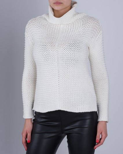 The sweater is female 56189-1018/6-7