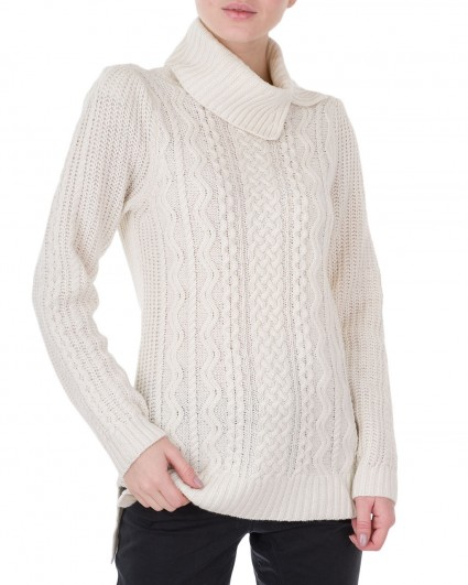 The sweater is female 92097
