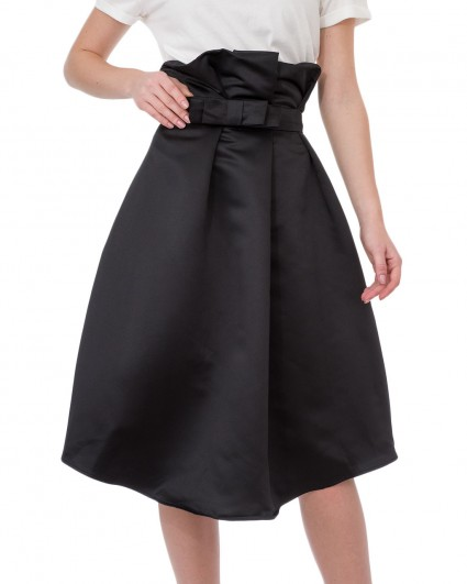 The skirt is female GCO5Q1G/5-6