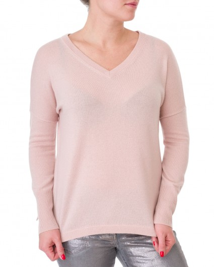 The pullover is female 81873-8404-89000/19-20-2