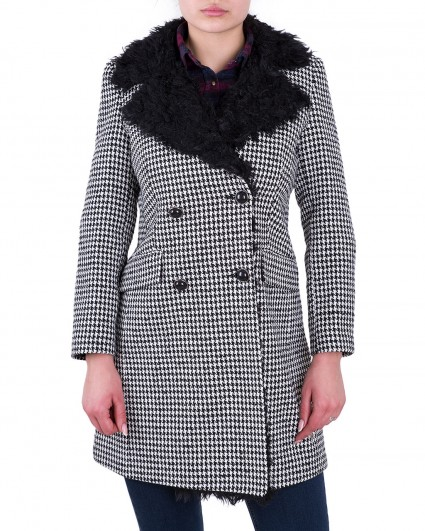 The coat is female 0040460004/8-92