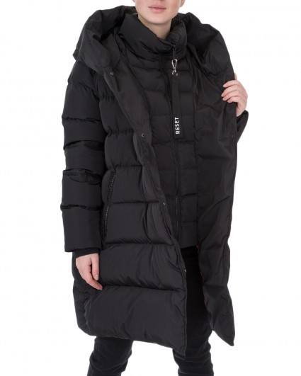 The down jacket is female LR18.30.193-000-900-Kelly/19-20