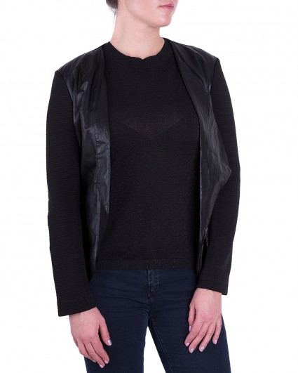 The jacket is female G975535/6-7