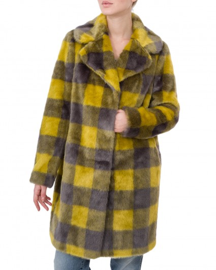 The coat is female BM38.35.193-333/19-20