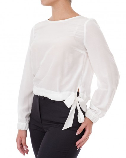 The blouse is female 64603-1006/9