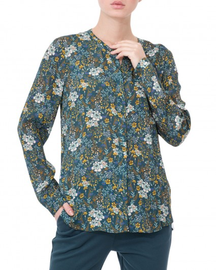The blouse is female 1907-743-777/19-20