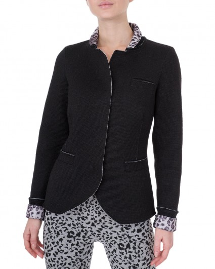 The jacket is female Castello-nero/4-5