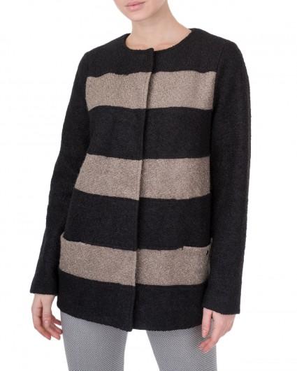 The jacket is female Engoy-fango/5-6