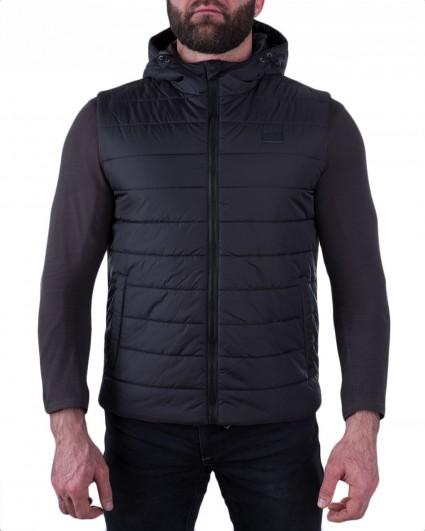 The vest is man