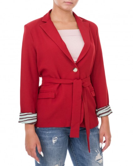 The jacket is female 00004699/9